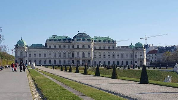 палатата Белведере во Виена
